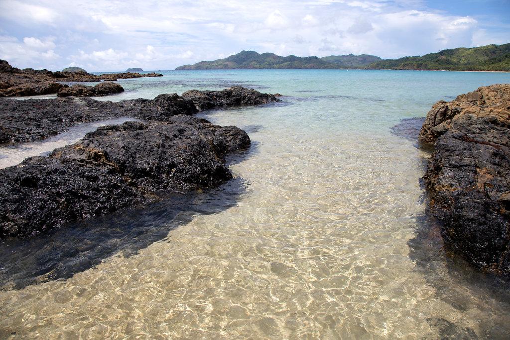 Duli-Beach-el-nido-palawan-1.jpg